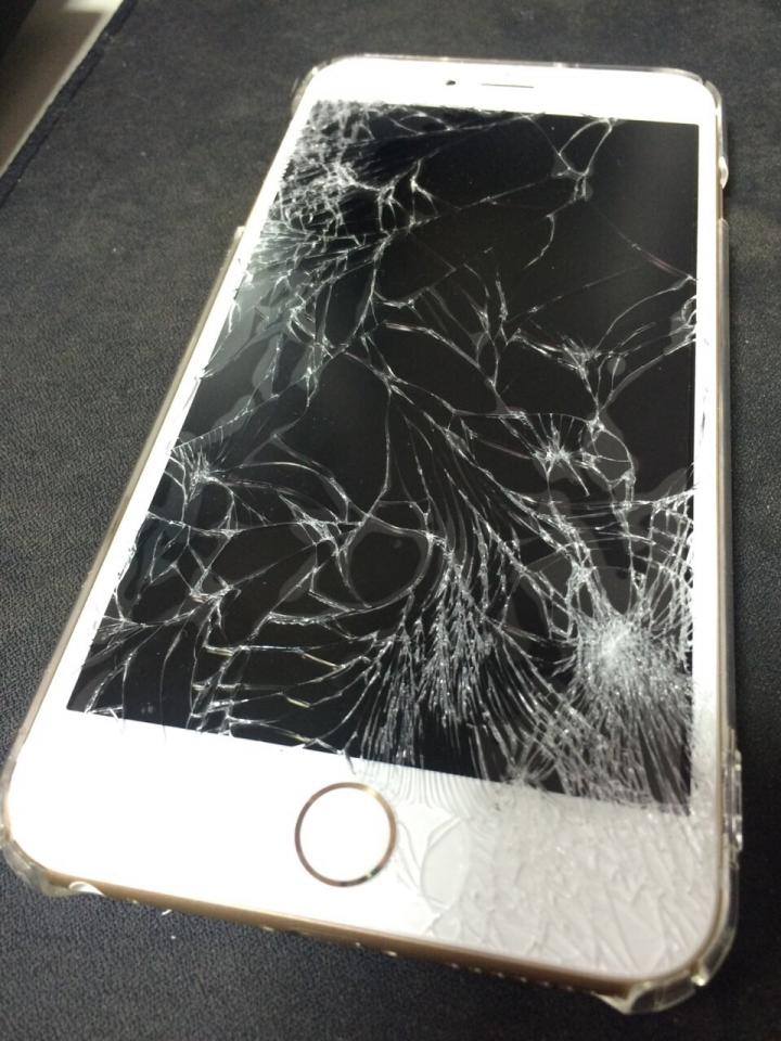 「手機螢幕碎裂」的圖片搜尋結果