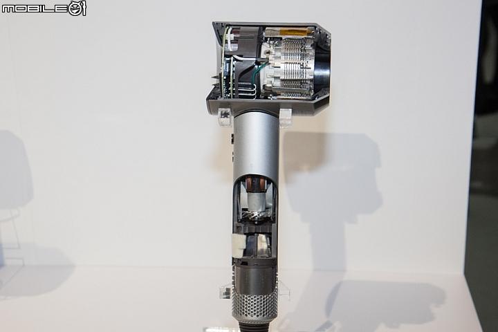 Dyson SuperSonic 內建玻璃珠熱敏溫度偵測儀