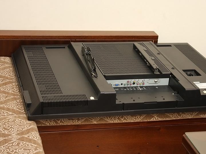 BenQ 65IZ7500 護眼4K液晶電視讓我尺寸大躍進‧畫質再升級 - 10