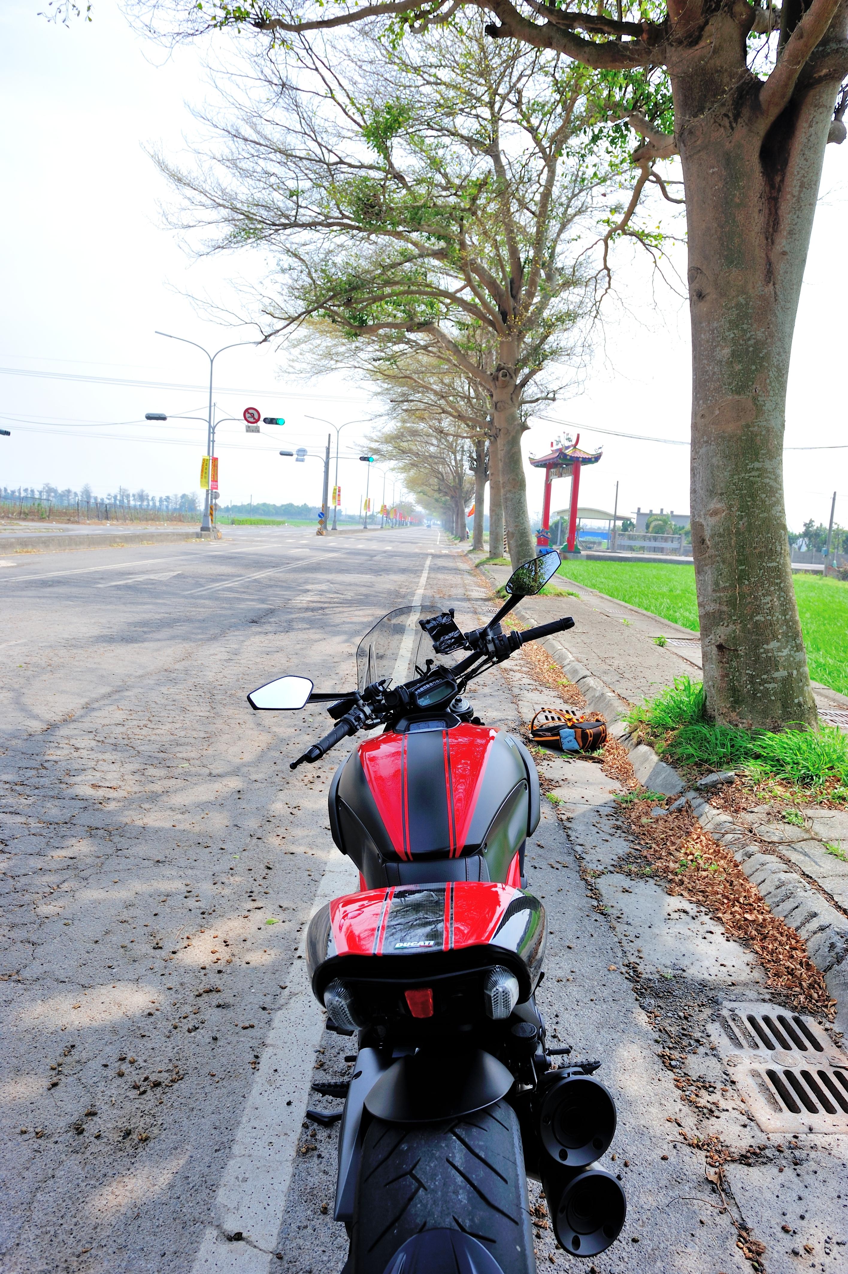 请问买车前的准备动作(恶魔Ducati Diavel 已败入)