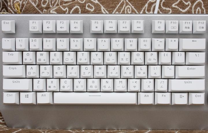銀白炫麗 i-Rocks K60M《分行背光》RGB機械式鍵盤 開箱體驗