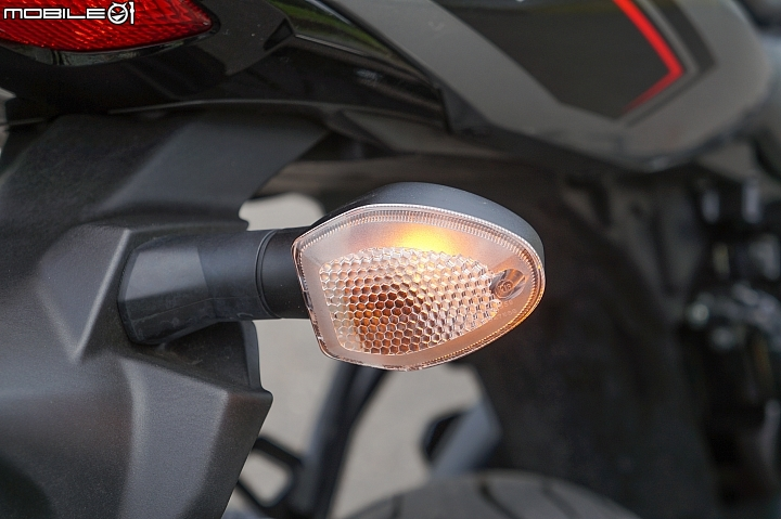 SUZUKI SV650X ABS 後方向燈