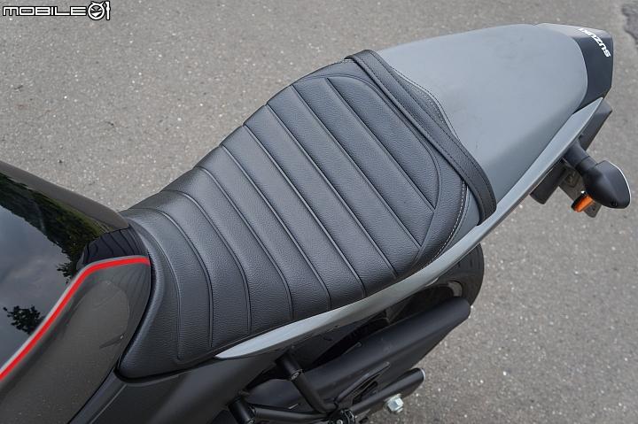 SUZUKI SV650X ABS 復古坐墊