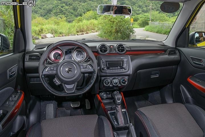 Suzuki Swift Sport-內裝陳設架構