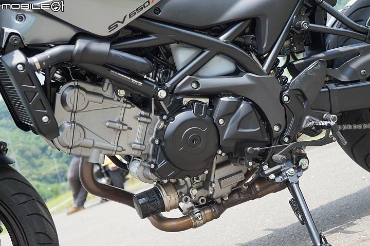 SUZUKI SV650X ABS V-Twin引擎