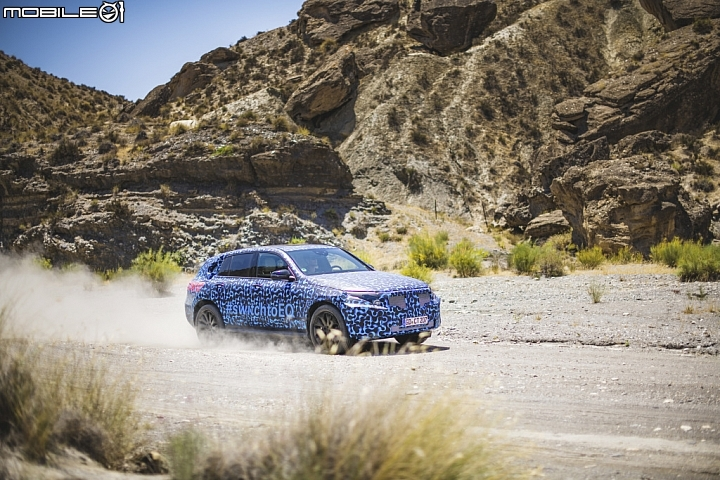 Mercedes-Benz子品牌EQ首款市售作品「EQC」極地測試畫面