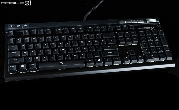 HyperX ALLOY Elite RGB機械式鍵盤採用了Cherry MX RGB機械式鍵軸設計