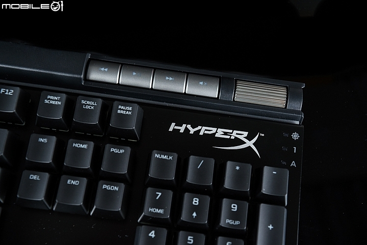 HyperX ALLOY Elite RGB機械式鍵盤設置
