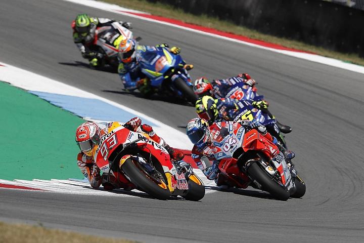 【MotoGP】匯集驚險的超車 Marquez 力挽狂瀾奪下亞森站冠軍!
