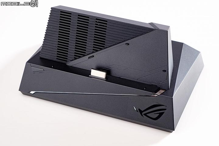 Asus ROG Phone全套大开箱,颠覆行动电竞的使用常识 174