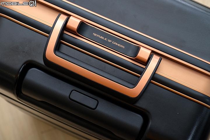 Asus ROG Phone全套大开箱,颠覆行动电竞的使用常识 15