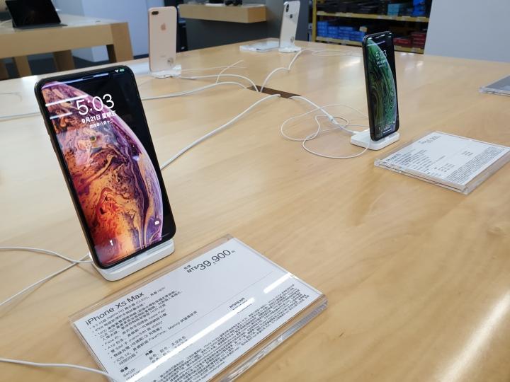 慢來的開箱 iphone Xs Max 金色 上手 - 2