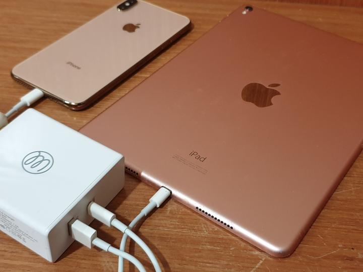 OneMore PD+QC3.0 60W 3A PD 快充充電器/最大輸出 60W/支援 iPhone、iPad、MacBook Pro、Nintendo Switch 快速充電