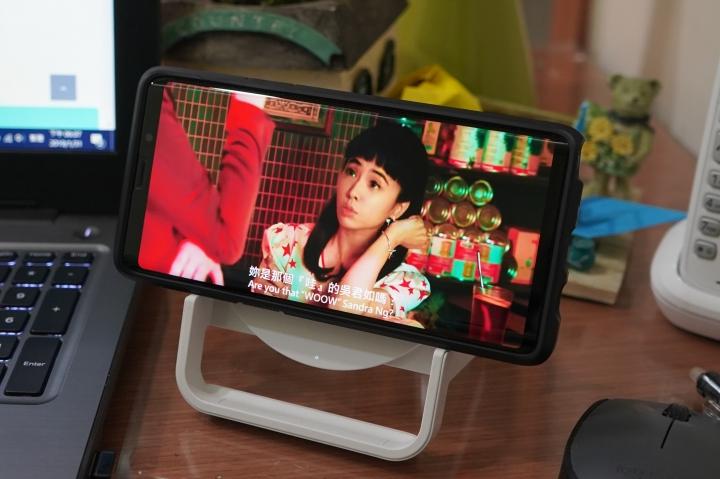 「Belkin Boost Up Stand 無線充電桌架 - 7.5W/10W」:直橫隨放隨心所欲/享受更快的無線充電生活 - 28