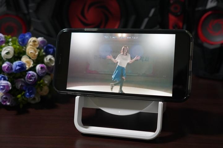「Belkin Boost Up Stand 無線充電桌架 - 7.5W/10W」:直橫隨放隨心所欲/享受更快的無線充電生活 - 23