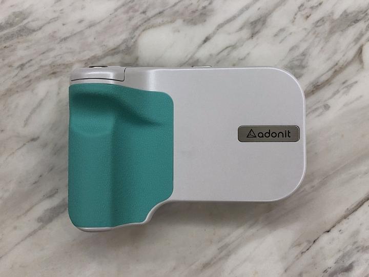 [開箱] 拍照不求人 自拍遠照通通自己來 - Adonit PhotoGrip Qi專業握把 - 5