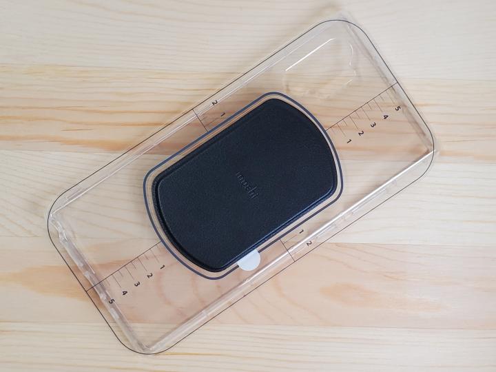 Moshi SnapTo 磁吸無線充電手機車用支架:支援10W快充/SnapTo磁吸機制手機保護殼