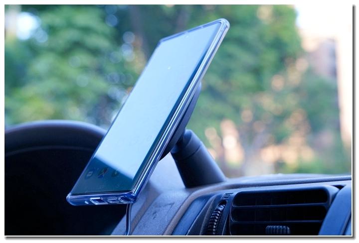 MOSHI SNAPTO 磁吸無線充電架,給你行車方便又安全的手機充電新選擇 - 45