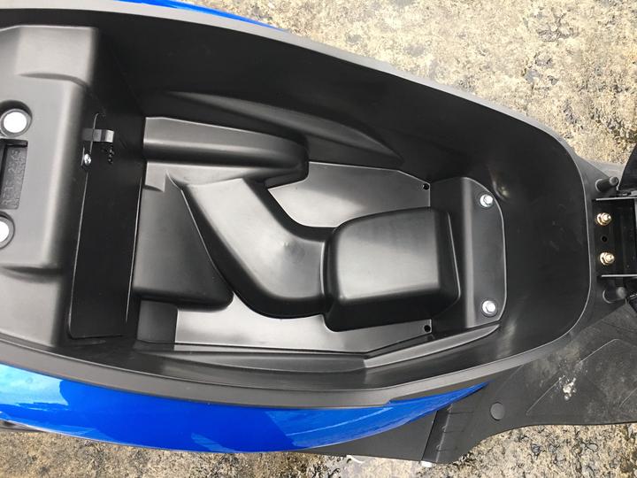【開箱】4萬多的125新車 Kymco GP125 - 8