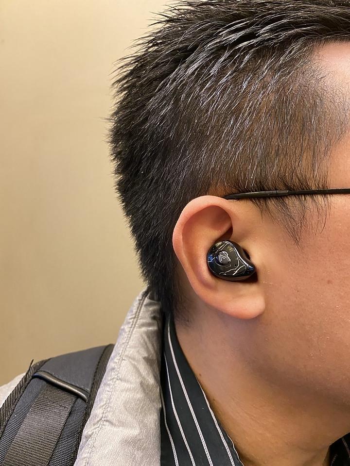 OMIX Y6 真無線半入耳式運動藍牙耳機 14.2mm單體 帶來好聲音