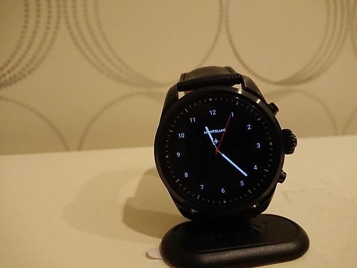 過年前買新手錶萬寶龍 MONTBLANC-SUMMIT 2 智能腕錶 S2T18 - 30