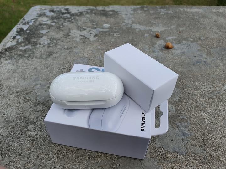 我的最美真無線藍牙耳機,Samsung Galaxy Buds+ 月光白 開箱試用 - 10