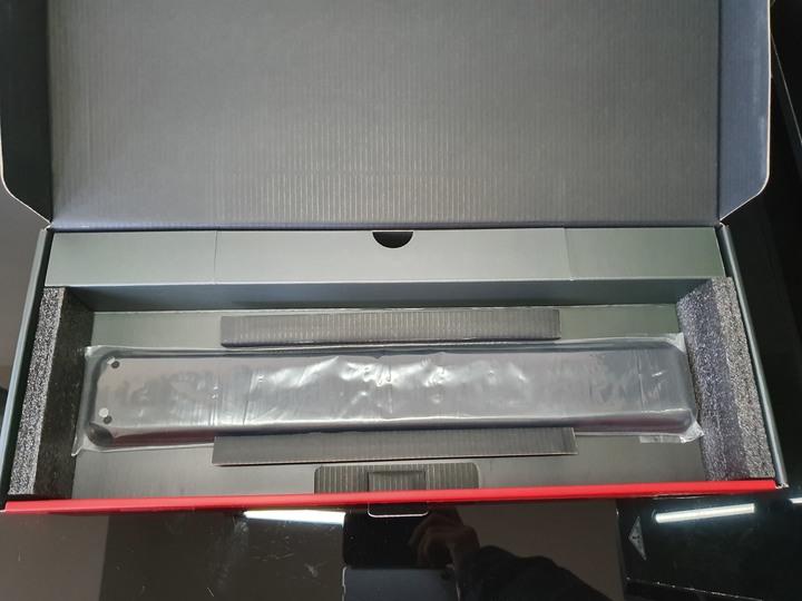 我的色彩由我決定,曜越海王星 RGB 機械式青軸電競鍵盤開箱試用