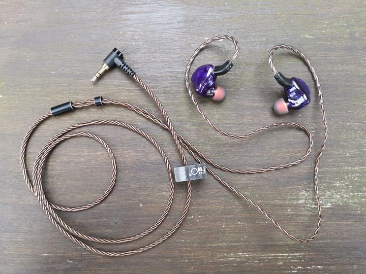 FiiO FH1S圈鐵雙單元CIEM可換耳機:人聲飽滿高解析X層次細節豐富X低音渾厚