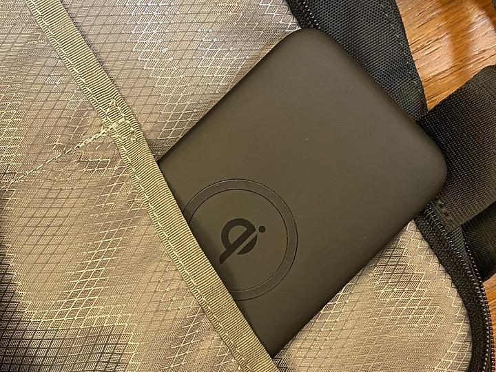 ODOYO二合一大容量可攜式Qi無線快充充電盤行動電源 可攜帶可桌立 PD18W與QC3.0快充提供最速電力支援 - 24