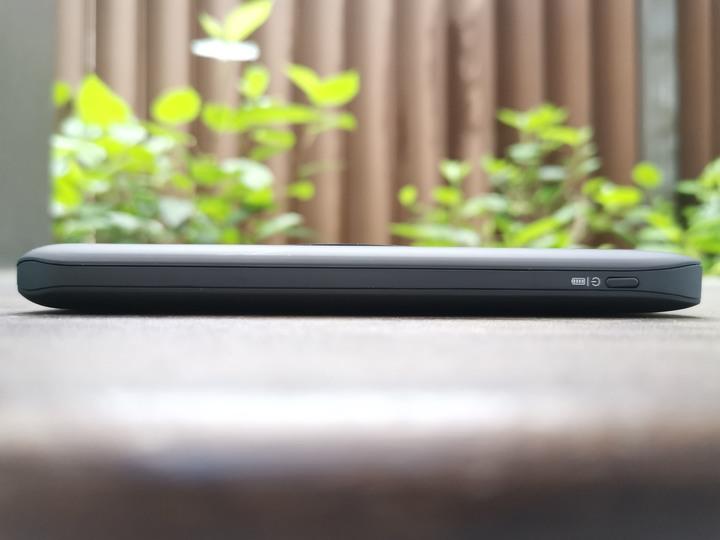 ODOYO二合一大容量可攜式Qi無線快充充電盤行動電源:安全夠、容量足、有線(QC3.0 、PD)無線(Qi)快充