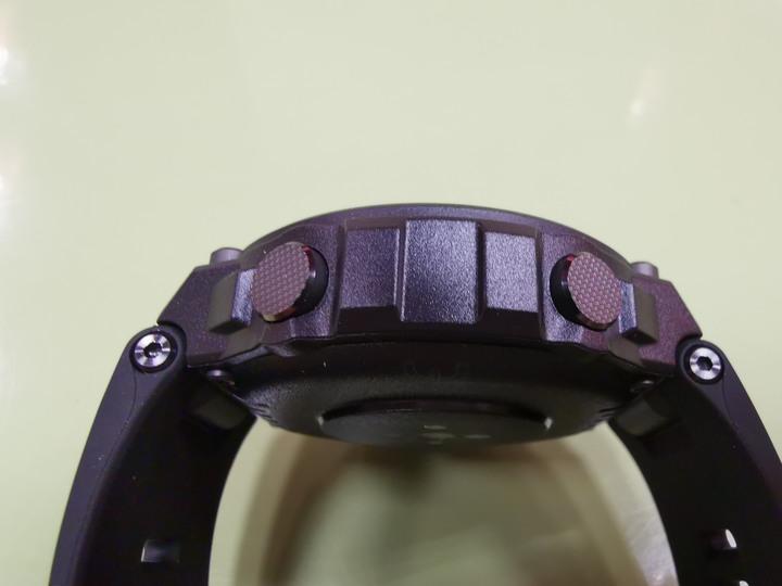 Amazfit T-Rex智能手錶:有夠MAN、超耐用、電力強、功能多更多