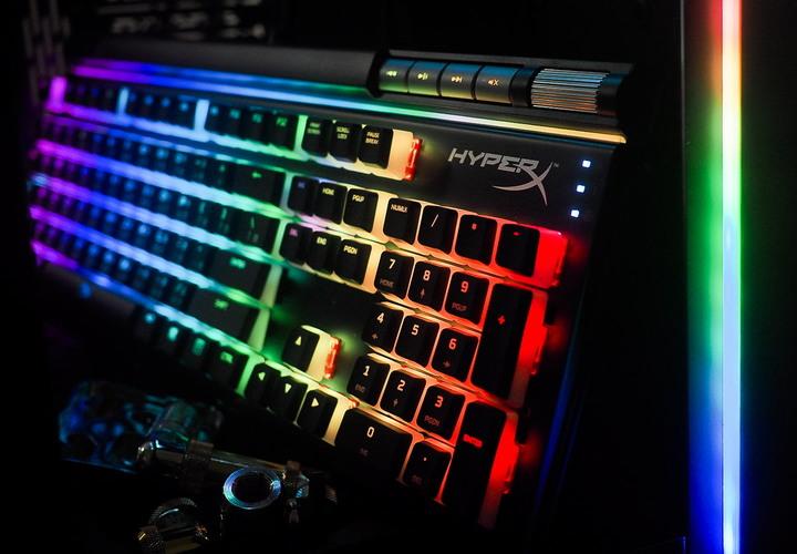 跨入電競的第一步   HyperX Alloy Elite 2 紅軸 機械式電競鍵盤