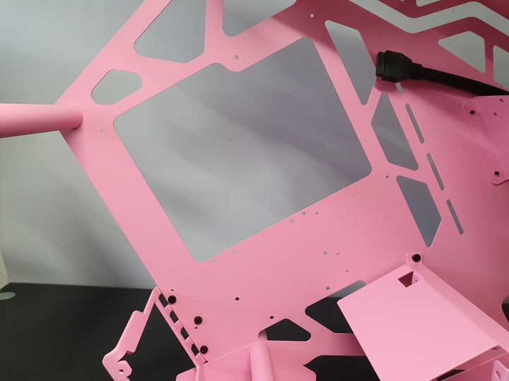 小粉紅征服者,美洲獅 CONQUER MINI PINK 開放式電腦機殼開箱試用
