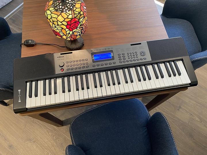 自彈自唱不是夢:【KONIX】61鍵多功能電子琴S690 教學電鋼琴讓彈琴也可以變簡單 - 1