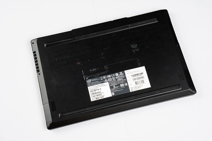 ADATA XPG 首款電競筆電產品 XENIA 女武神薩尼亞 開箱心得