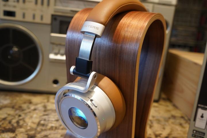 獨家發光VU音量表「Meters OV-1-B-Connect 無線藍牙耳機耳罩式」隨音樂擺動的潮派風格