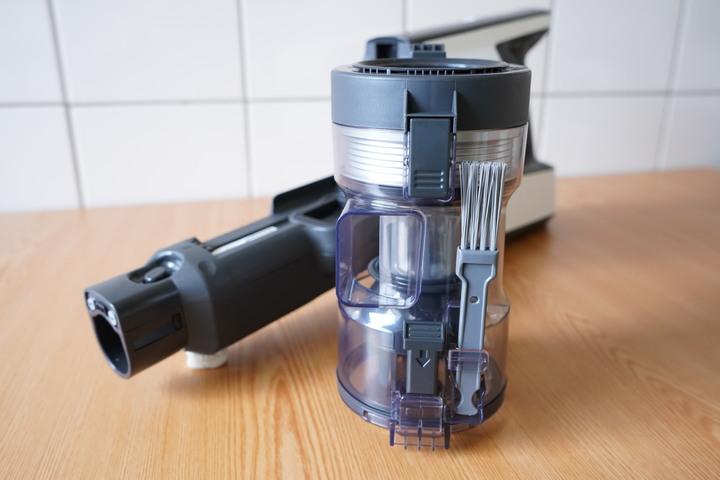 吸力/續航超進化「Panasonic日本製無線吸塵器MC-BJ990」220W超強吸力/90分鐘超長續航力完善清潔居家環境 - 10