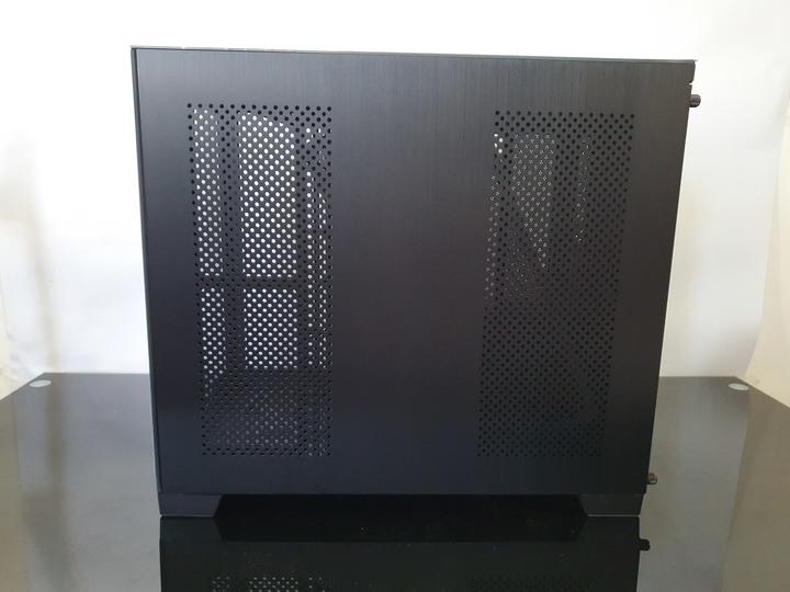 袖珍造型,空間卻更寬廣,LIAN-LI 聯力 O11 Dynamic MINI 機殼開箱試用