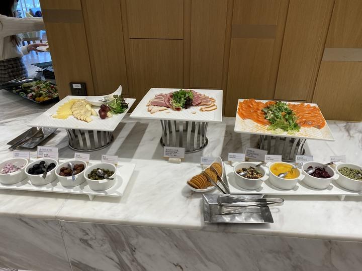 <戴著小惡魔去旅行> 期望越大, 失望越大的六福萬怡敘日餐廳午餐Semi-Buffet