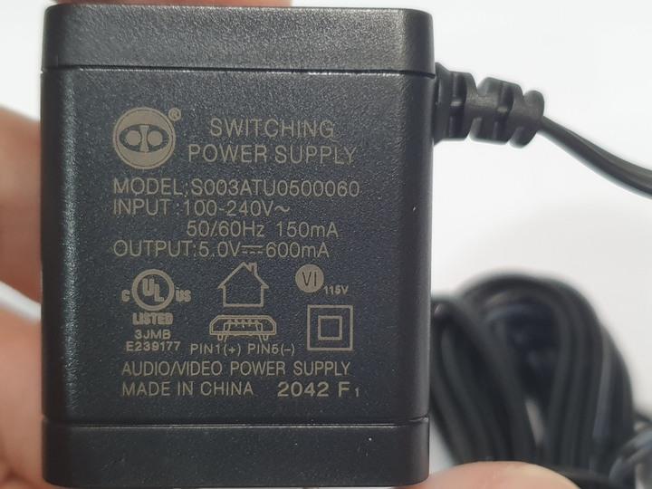 PX大通 HDMI 4進1出切換器 UH-419ARC 簡單開箱試用