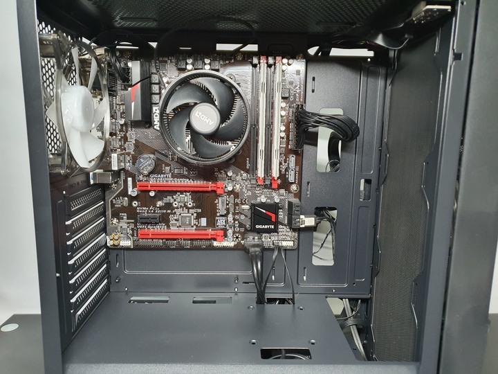 大風扇進氣與閃閃光源,SAMA 先馬 MG-III(BK)機殼開箱試用