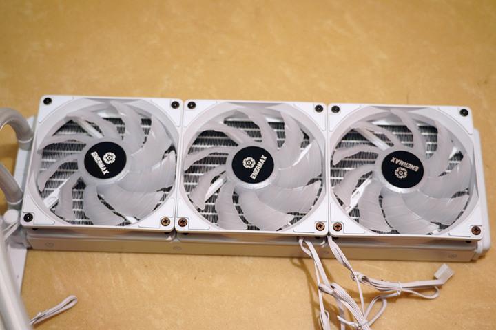 SuperCool 極度降溫,安耐美虹彩晶凌雪白版 LIQMAX III 360 ARGB W...5888