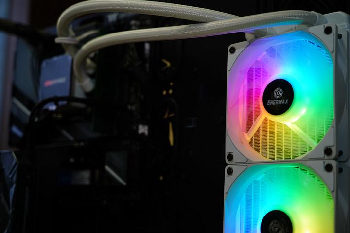 SuperCool 極度降溫,安耐美虹彩晶凌雪白版 LIQMAX III 360 ARGB W...3159