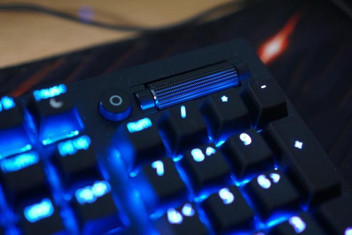 Razer Blackwidow V3機械式鍵盤|綠軸觸感反饋強烈 清脆...906