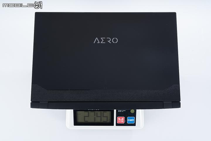 GIGABYTE AERO 17 HDR 能文能武的創作者筆電