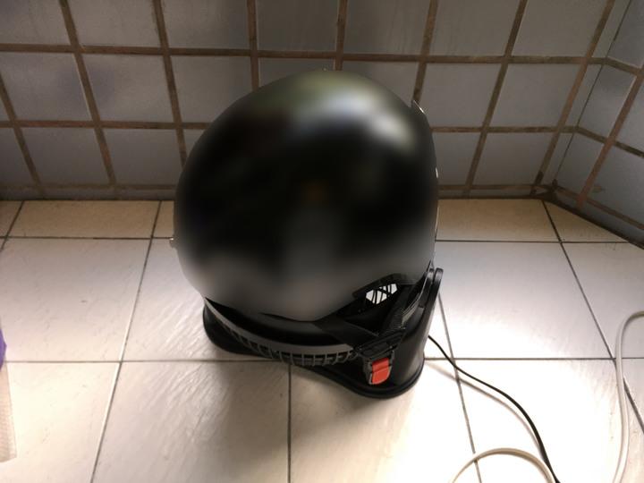 [常見的機車誤區] 安全帽算是貼身衣物 用頭巾或洗一下吧2638