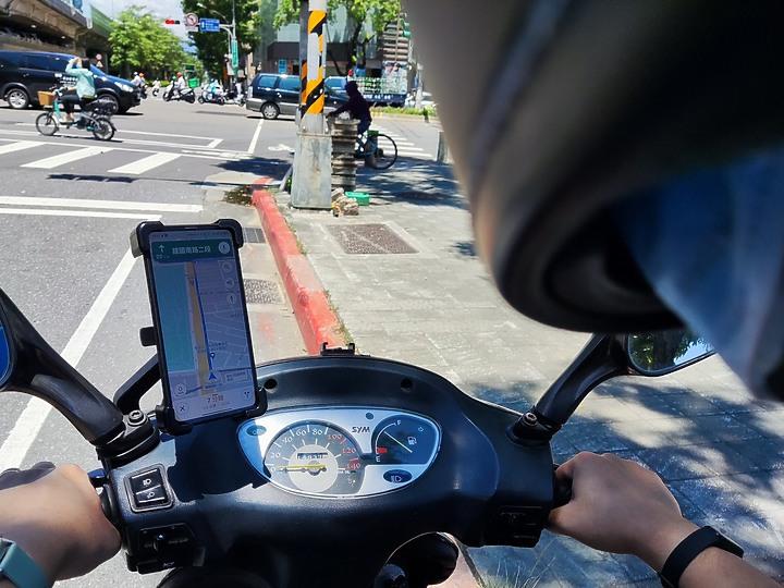 abee快譯通 戶外四爪手機支架|推薦 機車腳踏車一支通用 穩固又省錢