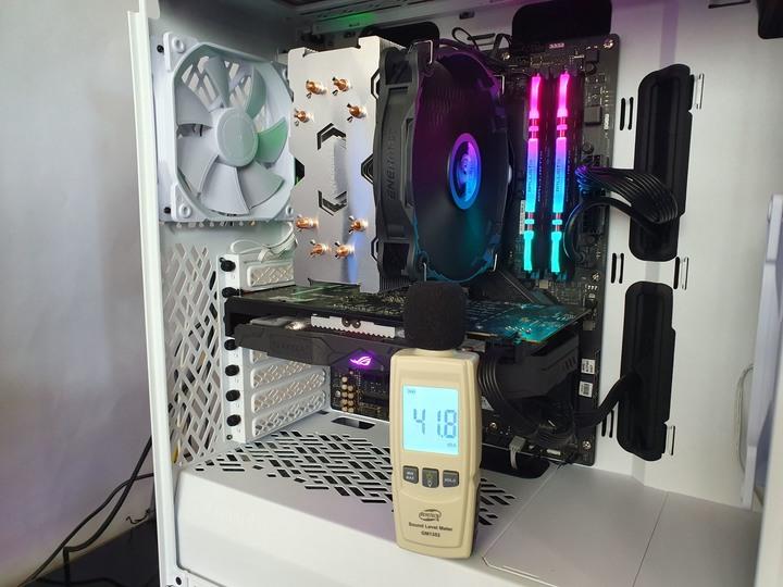 安耐美 ENERMAX ETS–F40–FS CPU空冷散熱器開箱試用