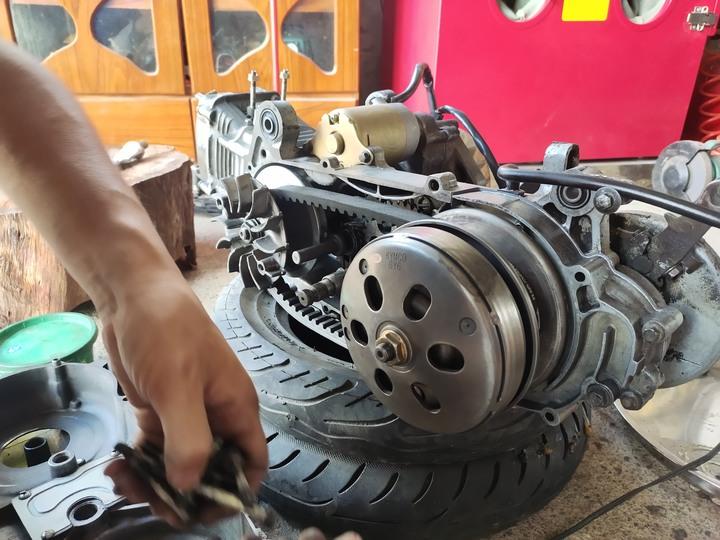 教父親如何拆裝機車引擎(車種-三陽-舊迪爵125)(2021/09)2152