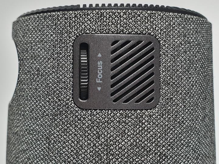 居家美學新主張,ASUS ZenBeam Latte L1無線藍牙行動投影機開箱3212